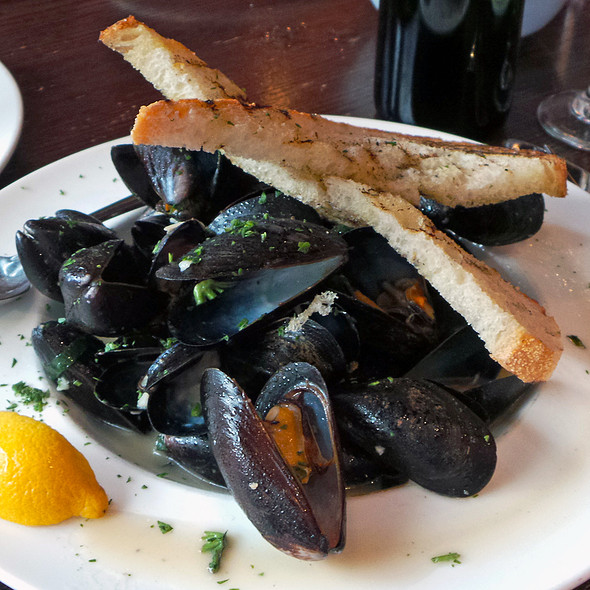 Prince Edward Island Mussels @ Blue Water Seafood