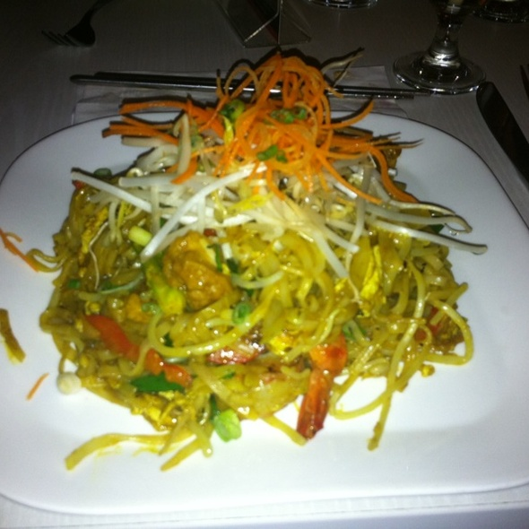 Curry Shrimp Pad Thai @ Lime Asian Cuisine