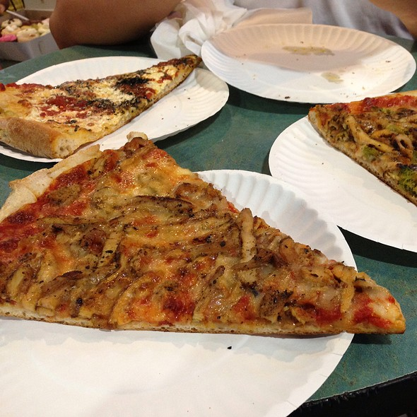 NY Style Pizza @ Bleecker Street Pizza