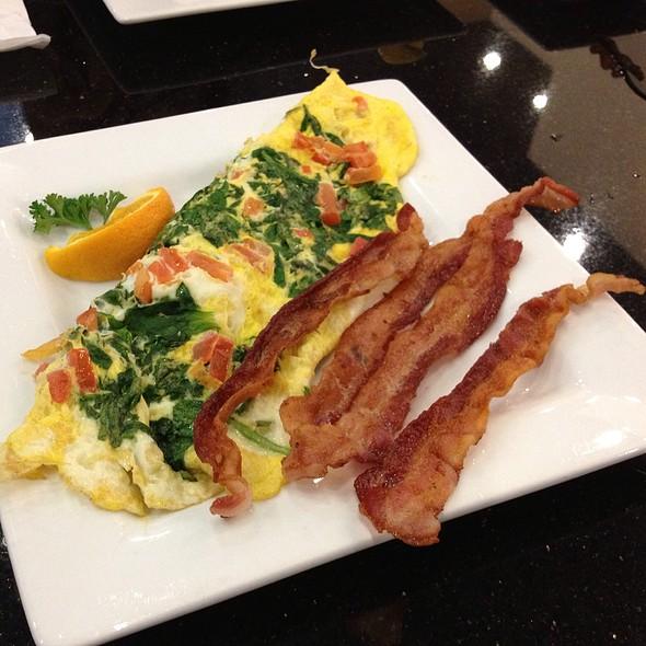 Greek Omelet @ Keke's Breakfast Cafe