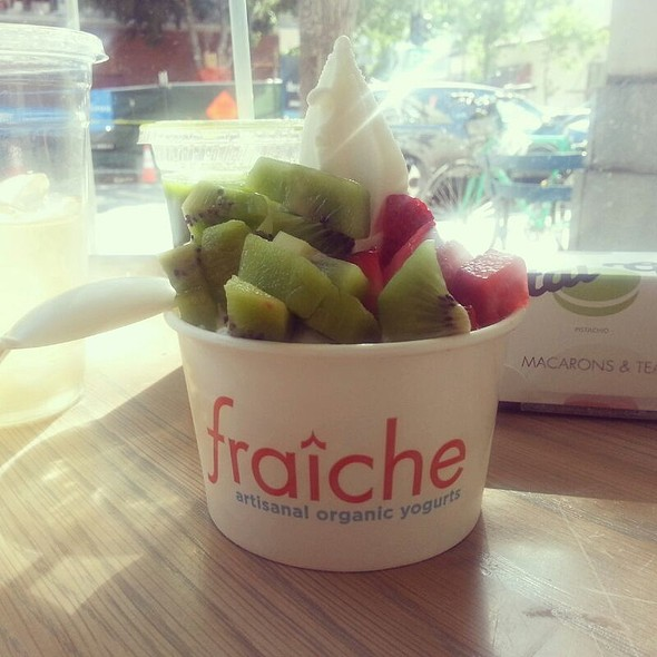 Frozen Yogurt @ Fraiche