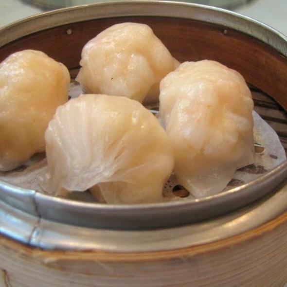 Steamed Shrimp Dumpling @ Wah Lok Cantonese Restaurant