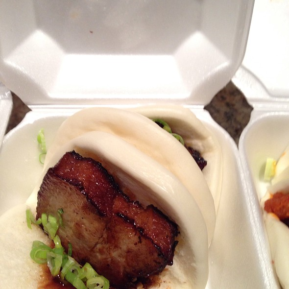 Pork Belly Steamed Buns