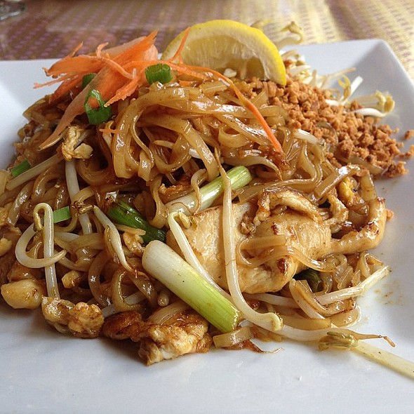 Great chicken pad thai! @ Thai Thani Restaurant - Tampa