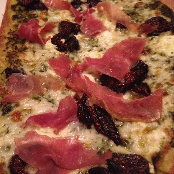 Proscuitto And Fig Flatbread Pizza