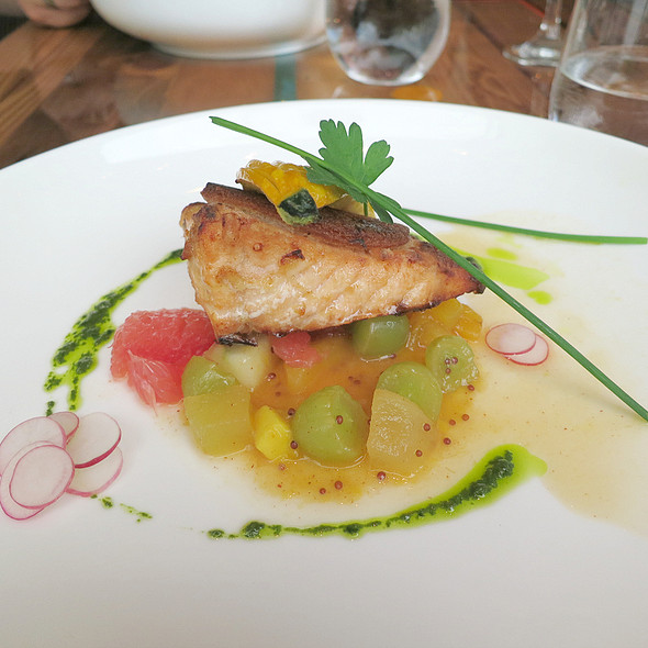 "Crispy ""Assam"" salmon @ Bent"