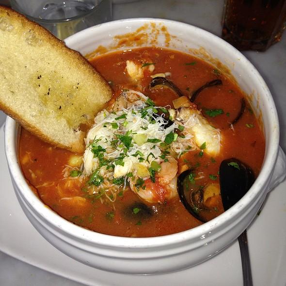 Seafood Ciopino @ Crab House