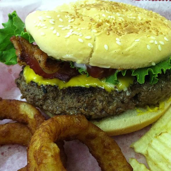 Cheeseburger @ Sutton's drug store