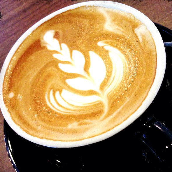 Flat White @ Mr. & Ms. Cafe