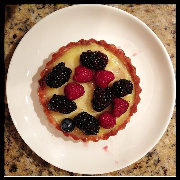Vanilla Custard Fruit Tart
