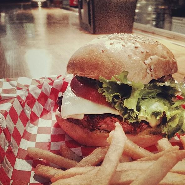 La Bistro burger