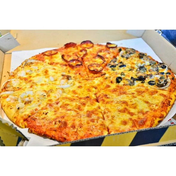 New York's Finest @ Yellow Cab Pizza Co.