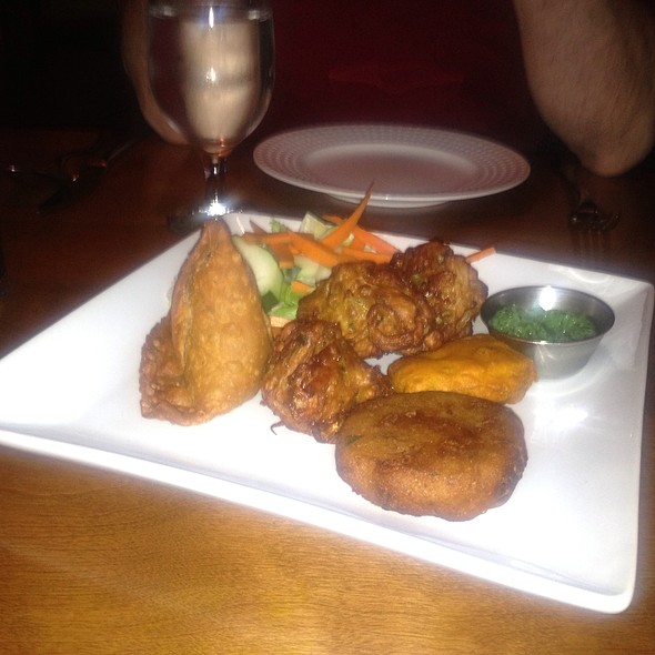 Vegetarian Appetizer Platter - Punjab Indian Restaurant, Arlington, MA