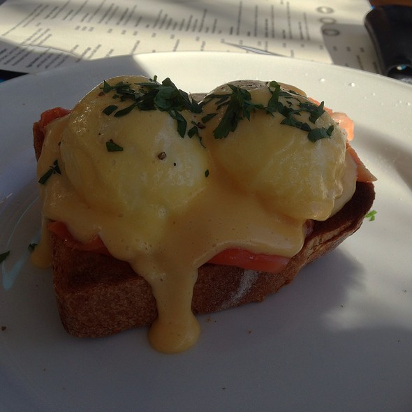 Eggs Benedict @ Olaf's Artisan Bakery and Cafe