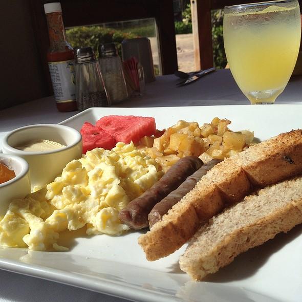American Breakfast @ Jaguar Reef Lodge and Spa