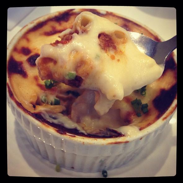 Kaldereta Mac N' Cheese @ Chef Lau's Pugon Roasters