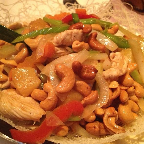 Big Bird's Love Nest @ Pongsri Thai Restaurant