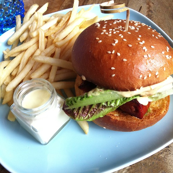 Spicy Chorizo Burger @ Fathers Office Qv