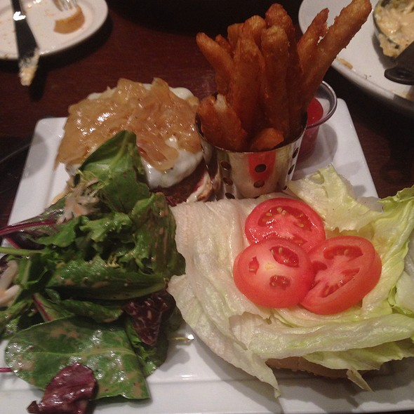 Cheeseburger - Kora restaurant - bar - lounge, Arlington, VA