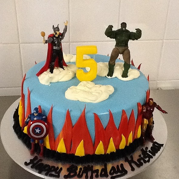 The avengers chocolate cake