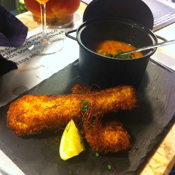 Filetes De Veja Dos Açores Com Arroz Malandrinho De Tomate E Pimentos @ SEA ME - Peixaria Moderna