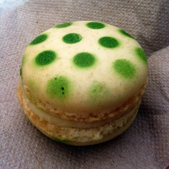 Pear Macaron from Christophe Morel @ Bouffons Montréal