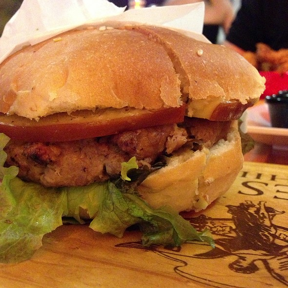 Trio Burger (Beef/Veal/Pork) With Smoked Gouda And Cilantro/Recao Aioli @ Bistro Burger