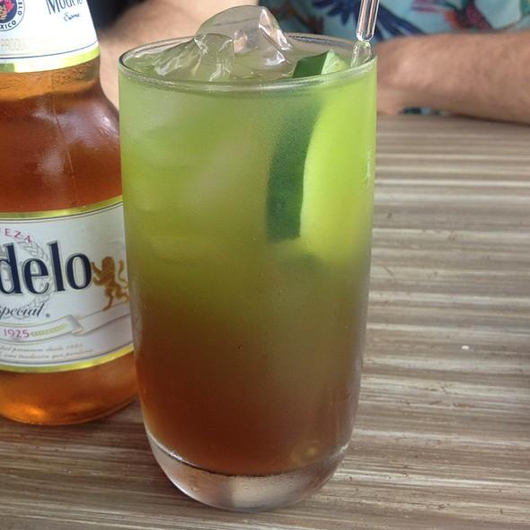 Agua De Pepino Y Limón @ Camden Town Burgers