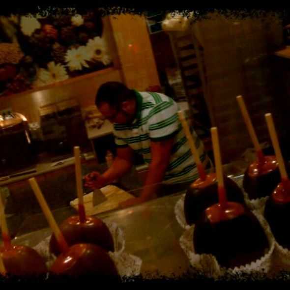 Dipped Apples @ Rocky Mountain Chocolate Factory