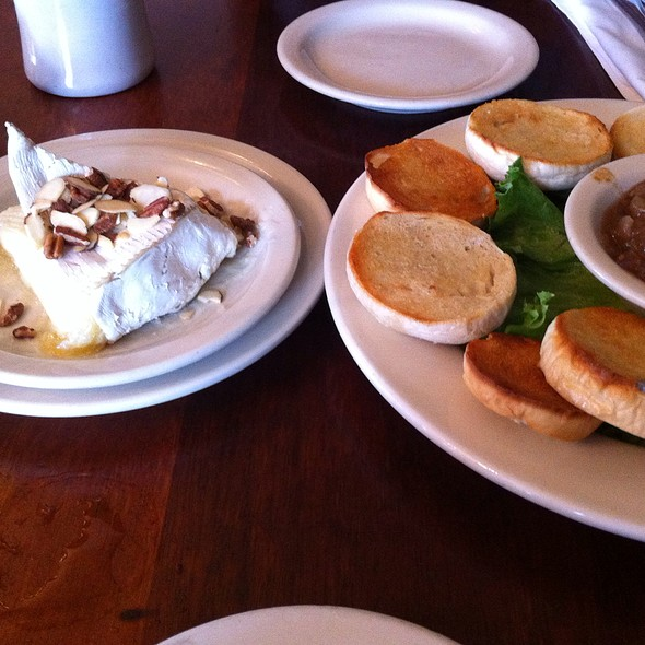 Baked Brie And Apples