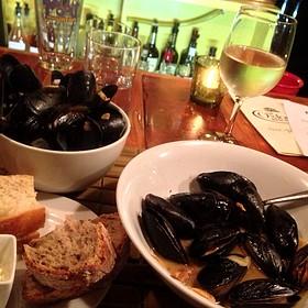 Mussels in garlic