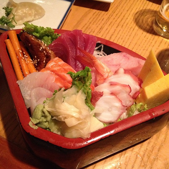 Chirashi @ Takahachi Restaurant