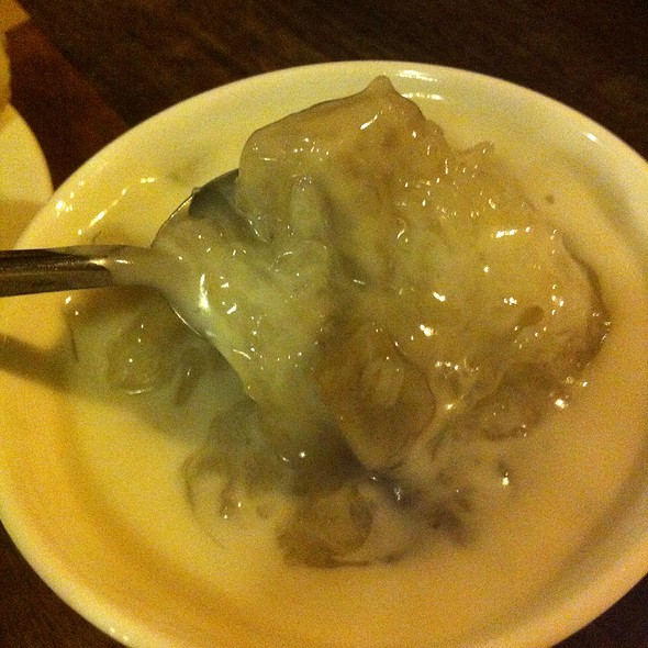 Sticky Rice And Sweet Taro With Coconut Milk