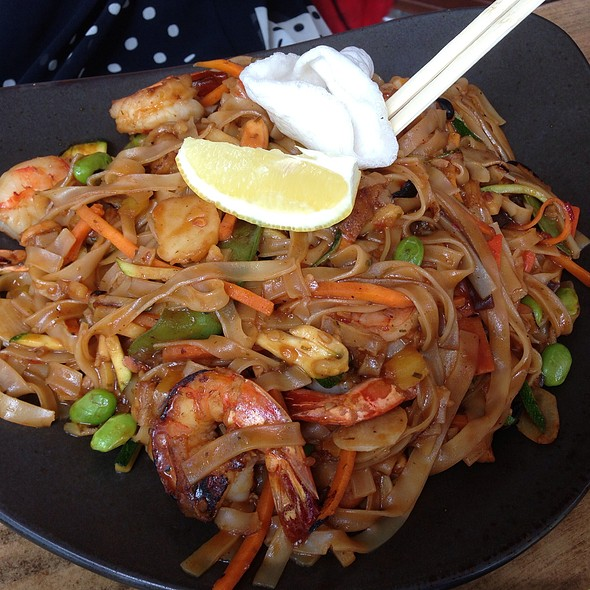 Thai Noodles With Shrimp @ Mala Garden