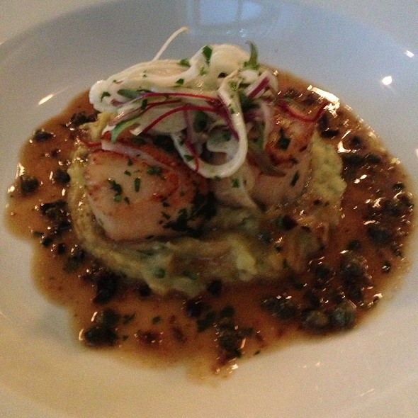 Pan Roasted Day Boat Scallops With Artchoke And Yukon Puree - Bistro 7, Philadelphia, PA