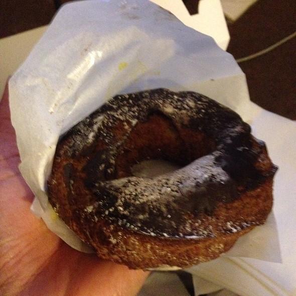 Eclair Paris Brest @ Beard Papa's Sweets Cafe