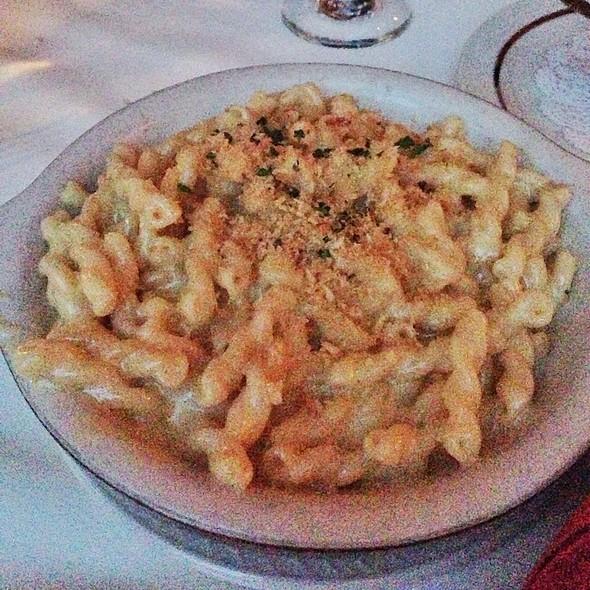 Gaucho Mac And Coastal Cheddar Cheese - El Gaucho - Bellevue, Bellevue, WA