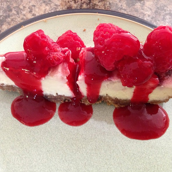 White Chocolate And Raspberry Cheesecake @ Peabrains