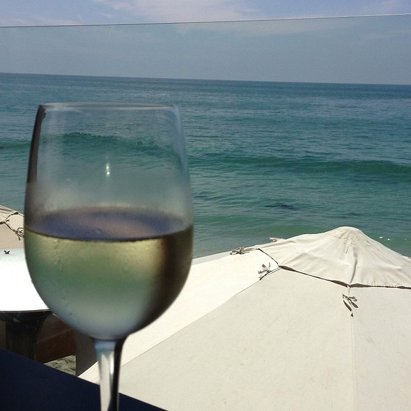 Pinot Grigio With A View - Splashes at Surf & Sand Resort, Laguna Beach, CA