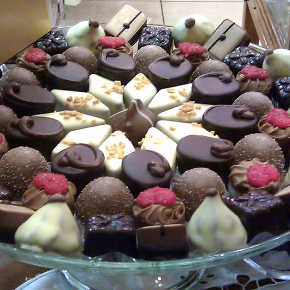Belgian pralines @ Le Chocolat