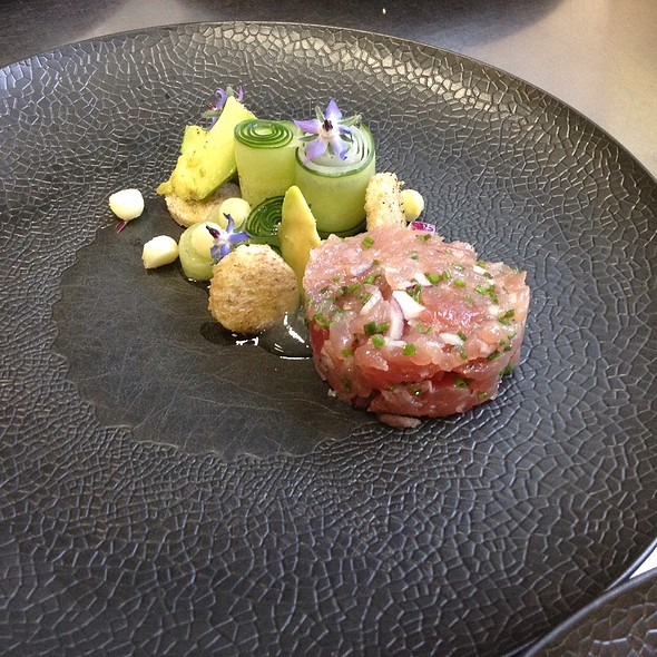 Tuna With Structures Of Cucumber And Attorney @ Hofke van Bazel