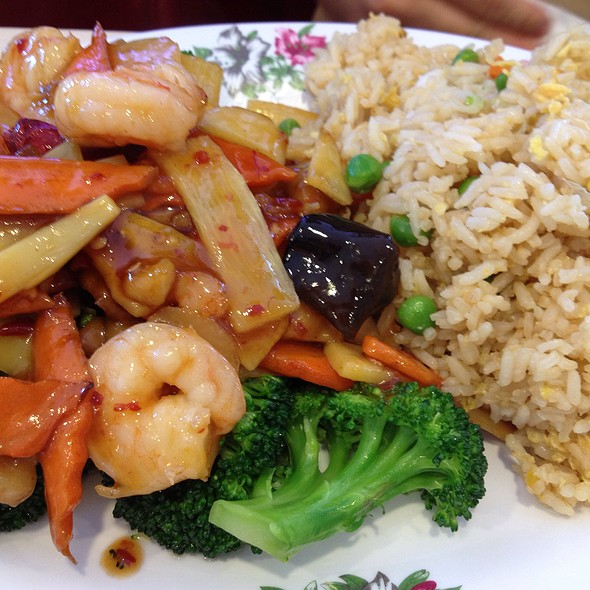Dragon And Phoenix With Fried Rice Lunch Special @ Szechuan Chinese Cuisine