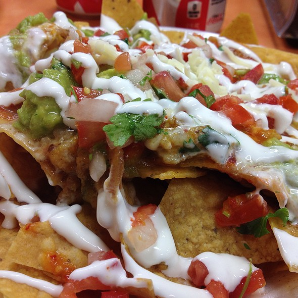 chicken super nachos @ Las Montanas Supermarket