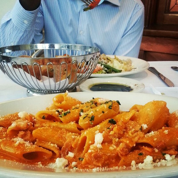 Bolognese - Il Fornaio - Beverly Hills, Beverly Hills, CA