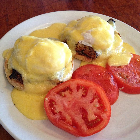 Cajun Ono Eggs Bennedict - Charley's Restaurant & Saloon, Paia, HI