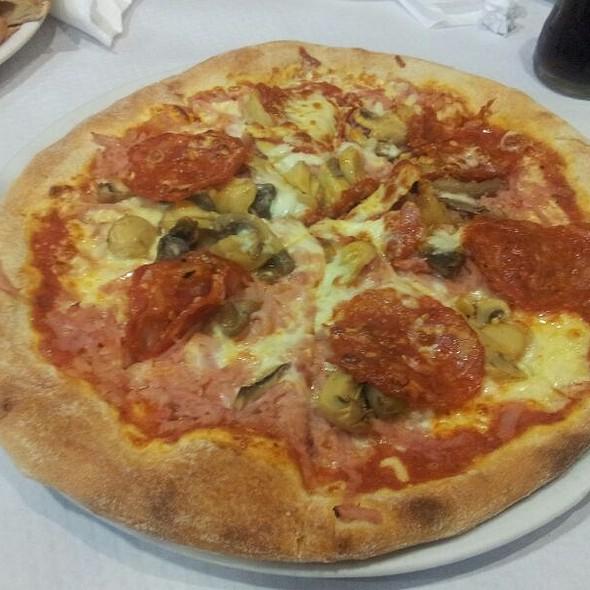 Pizza 4 Estações @ Pizzaria O Boss