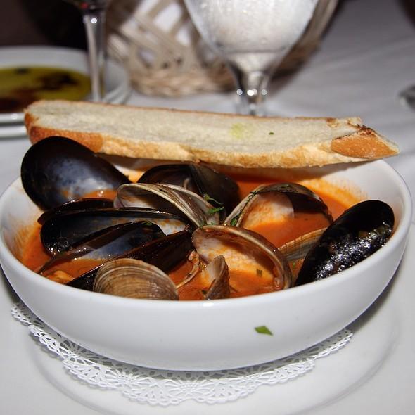 Clams & Mussels Pamodoro @ Il Lupino Trattoria & Wine Bar
