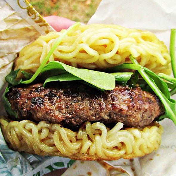 The Ramen Burger burgerweekly.com/ramen-burger @ramenburger @ Smorgasburg Williamsburg