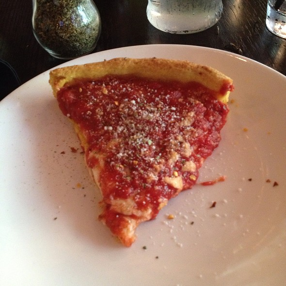 4 Cheese Deep Dish Pizza @ Gino's East