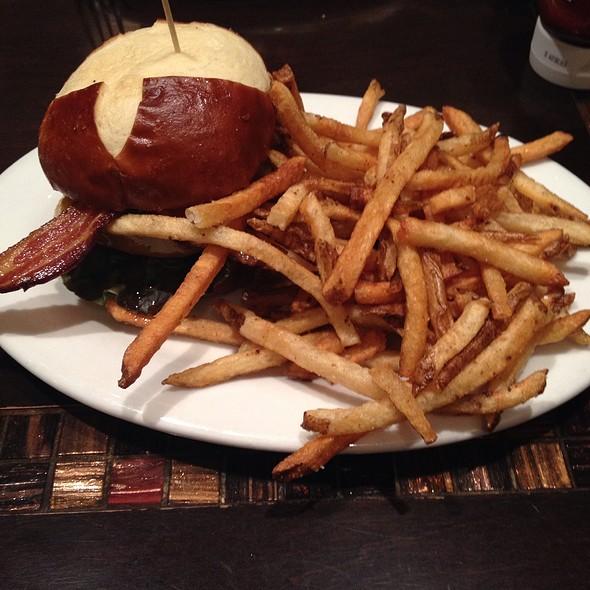 BBQ Bacon Cheddar Roast Burger @ Labriola Bakery Cafe